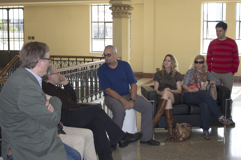 Paulo Saldiva talking at USP's School of Medicine - Scientific and Cultural Tour USP and Modernist São Paulo - April 18, 2015